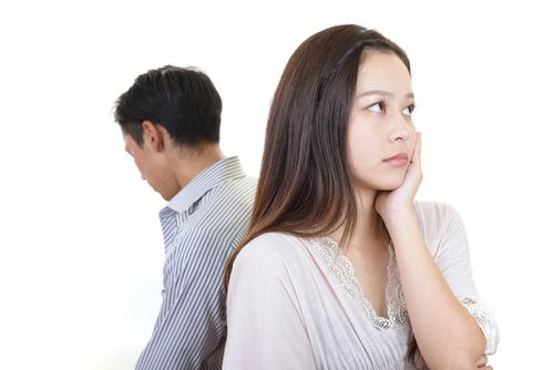 婚約中の彼氏の浮気LINEを発見!慰謝料は取れますか?